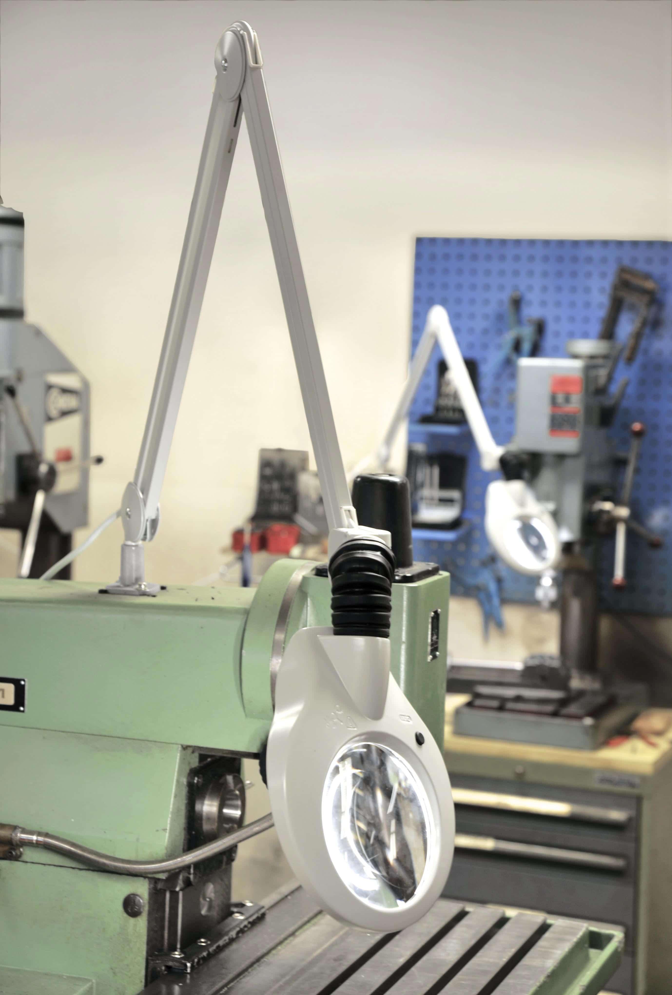Luminaria con lente de aumento KFM LED 3 o 5 dioptrías